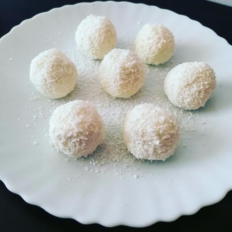 Raffaello - healthy homemade version