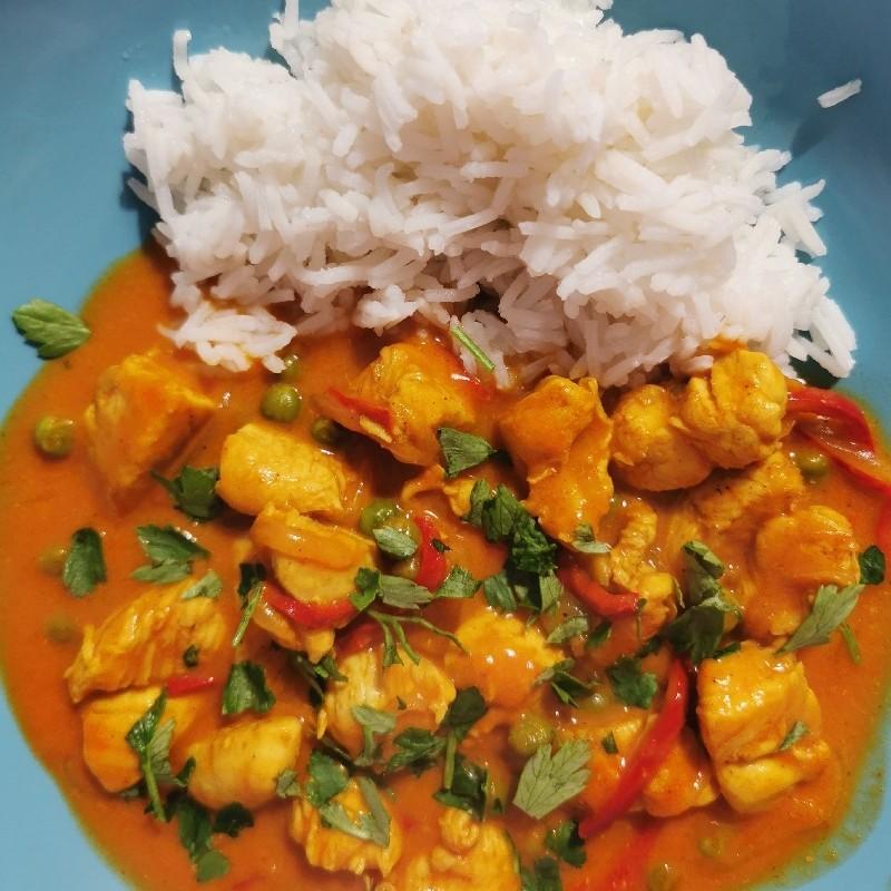Curry de pui cu lapte de cocos