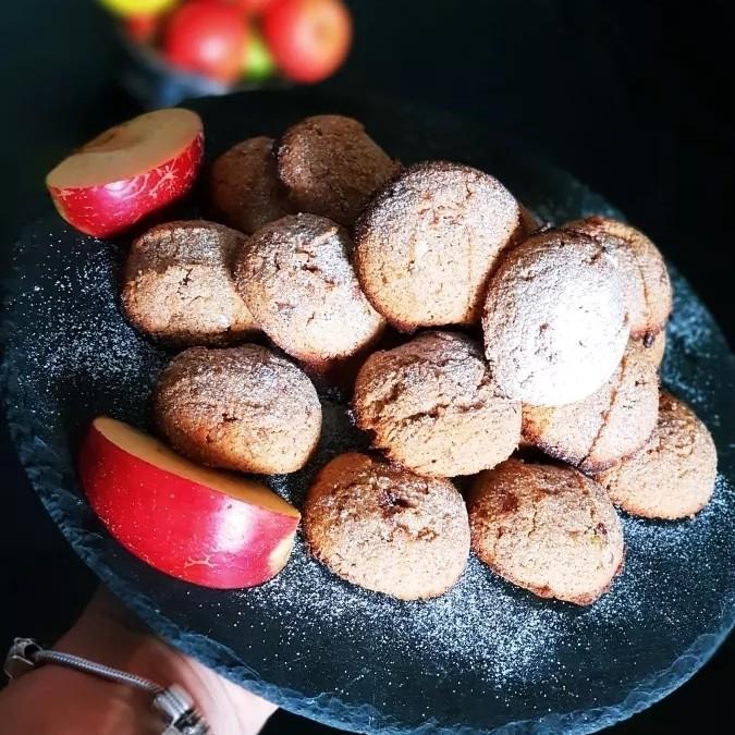 Biscuiți cu mere