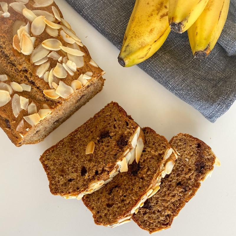 Banana bread cu fulgi ciocolată și migdale @aurelsolea__fitness