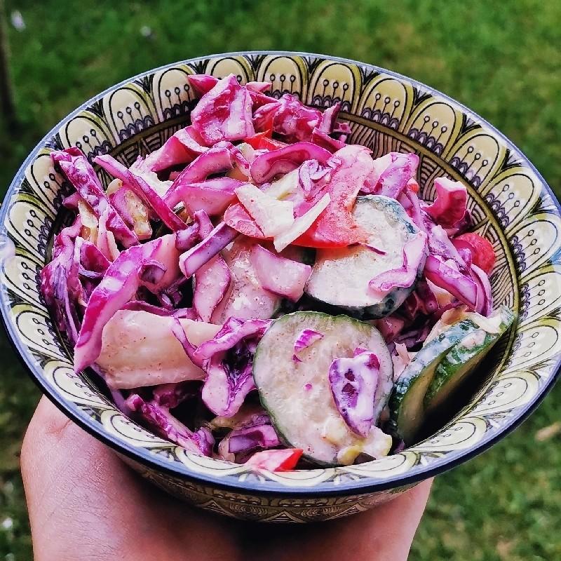 Salată de varza ușor picantă