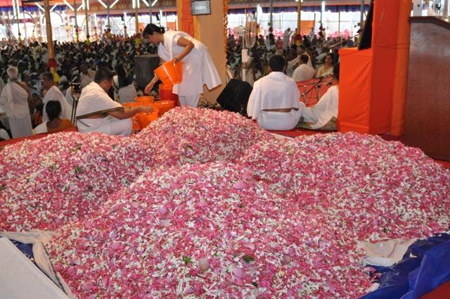 Flowers_for_Vishnu_Sahasranaama_Yajna